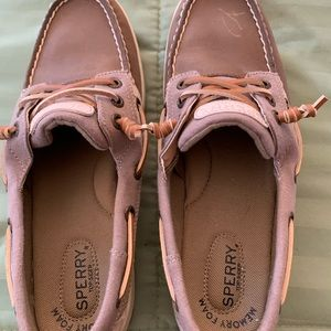 Womens Sperrys Size 9. Excellent condition